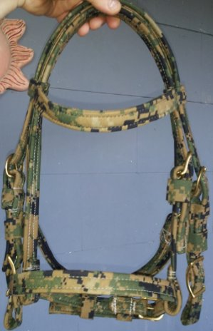 R9 Custom Horse, Camoflaunge Saddle pads